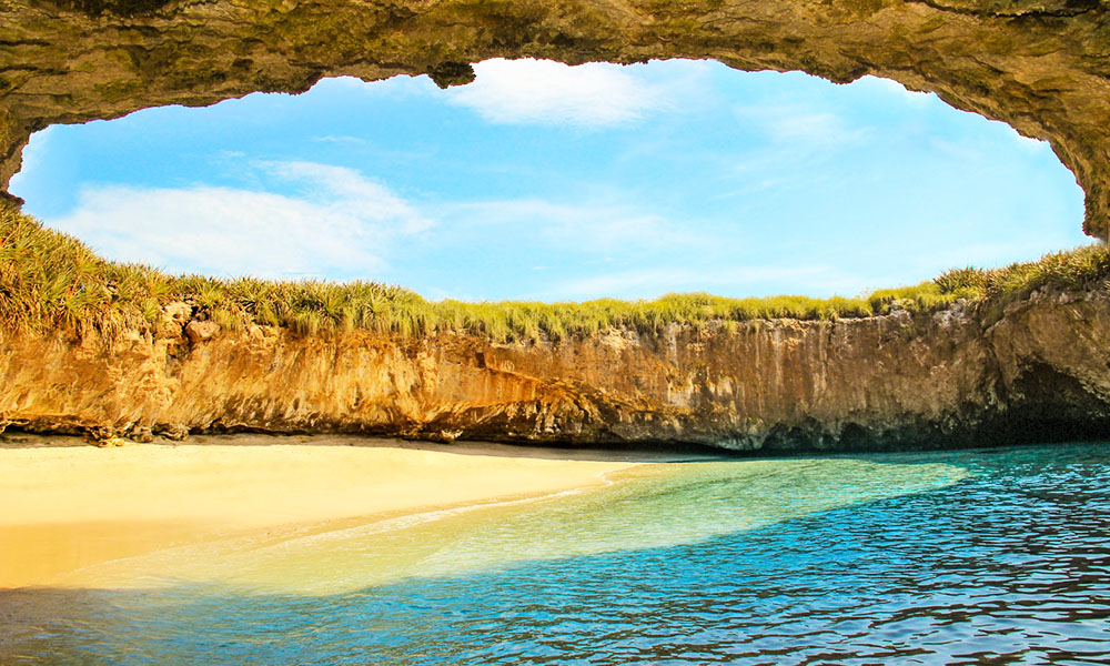 plage cachée ile marieta